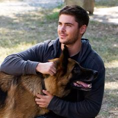 Celebrity GSD - Zac Efron with Rowdy, the dog named Zeus, in The Lucky One. It Movie Cast, I Movie, The Lucky One Movie, Zac Efron Pictures, Dog Love, Puppy Love, Nicholas Sparks Movies, Superstar, The Greatest Showman