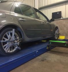 Renault Laguna wheel alignment check and correction Wheel Alignment, Edinburgh, Centre, 3d, Check