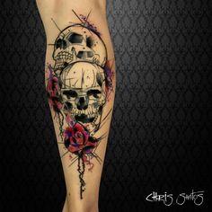 ᴘᴇʟᴀs ᴍᴀᴏs ᴅᴏ 💉ᴛᴀᴛᴜᴀᴅᴏʀ ᴇᴍ 📍ᴄᴜʀɪᴛɪʙᴀ/ʙʀ ᴏʀçᴀᴍᴇɴᴛᴏs ᴇ ᴀɢᴇɴᴅᴀᴍᴇɴᴛᴏs: 📥 ᴅɪʀᴇᴄᴛ 📧 ᴄᴀʟᴀᴠᴇʀᴀᴛᴀᴛᴛᴏᴏ . Skull Sleeve Tattoos, Leg Tattoos, Body Art Tattoos, Tattoo Sketches, Tattoo Drawings, Tattoo Ink, Couple Tattoos, Tattoos For Guys, Symbole Tattoo