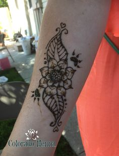 Colorado Henna   Bear paw henna with a floral design  #henna #flower #bear #bearpaw #hennadesign #armhenna #coloradohenna