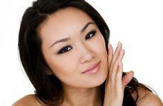 O colágeno, proteína natural produzida pelo organismo e responsável pela firmeza da pele, também atua em diversas outras áreas