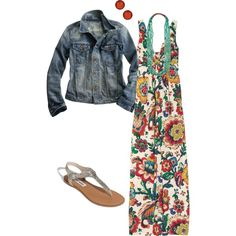 Love the print of this maxi dress. Great spring look.