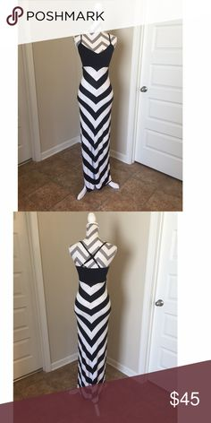 Black and white stripe maxi dress!! Black and white chevron stripe swtr maxi dress! New with tags! Size xs! Beautiful and comfortable! Form fitting. bebe Dresses Maxi