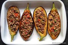 Vinete umplute cu carne tocata - la cuptor   Savori urbane Zucchini, Pasta, Vegetables, Food, Vegetable Recipes, Eten, Veggie Food, Noodles, Meals