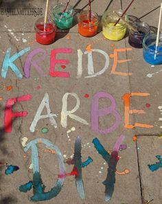 Kidsclub Kreidefarbe selber machen Bastelnmitkids fabric crafts Bastelnmitkids fabric crafts for kids Kidsclub Kreidefarbe machen selber Art Projects For Adults, Toddler Art Projects, Summer Crafts For Kids, Diy For Kids, Summer Art, Summer Time, Easy Crafts, Diy And Crafts, Kid Crafts