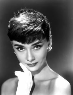 The lovely Audrey Hepburn. Someone who is an honest definition of Beauty <3