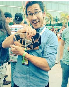 Markiplier and Rebecca his new diamond play button
