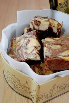 Katiecakes: Baileys Cheesecake Brownies    I love that they are called Katiecakes!!