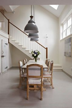 Dining Room Painted In Farrow & Ball Slipper Satin And Hardwick White Farmhouse Dining Room Farrow Ball, Farrow And Ball Paint, Best White Paint, White Paint Colors, White Paints, Neutral Paint, Wimborne White, Sweet Home, Cool Ideas