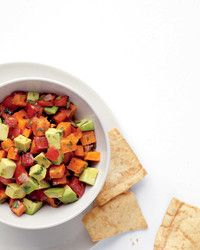 Roasted Sweet-Potato Salsa Roasted diced sweet potatoes turn ordinary salsa into a more substantial dip. Spoon it onto crackers or chips, use it as a filling for tacos or omelets, or serve it atop rice and beans. Get the Roasted Sweet-Potato Salsa Recipe Appetizer Recipes, Dog Food Recipes, Vegetarian Recipes, Cooking Recipes, Healthy Recipes, Vegetarian Casserole, Healthy Appetizers, Cooking Food, Skinny Recipes