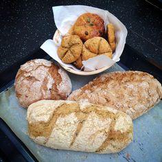 Špaldový chlieb, pečivo aj paleo. Paleo, Bread, Food, Brot, Essen, Beach Wrap, Baking, Meals, Breads