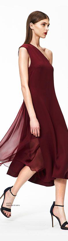 Pre-Fall 2015 Fashion shows Look Fashion, Fashion Show, Fashion Design, Burgundy Fashion, Best Wedding Colors, Shades Of Burgundy, Couture Fashion, Passion For Fashion, Bridesmaid Dresses