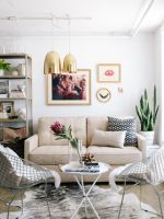 """How To Trick Out Your Work Space #refinery29  http://www.refinery29.com/apartment-34-office-tour#slide-4  """"I did a little DIY to replicate one of my favorite Scandinavian design trends: a metal wall rack. We simply picked up some wire mesh from the hardware store, cut it down to size, and spray-painted it white. It's a fun way to add texture to a room and a great place to create a mood board."""""""