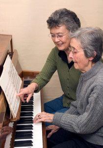4 Ways Music Can Improve Dementia Care #dementia