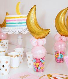Oh Girl! #babyshower #baby #babygirl #ohgirl #iloveyoutothemoonandback #overthemoon #moon #stars #party #balloons #qualatex #qualatexballoons #theverybestballoons