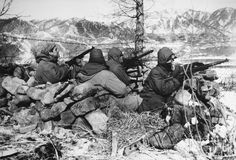 korean war  | Korean War: Soldiers Photograph by Granger - Korean War: Soldiers Fine ...