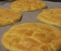 Flourless bread rolls – ideal for everyone who loves bread and wants to lose weight! Most of us cannot imagine having a descent meal without a slice of bread. Bread is an integral part of numerous cuisines Weight Watcher Overnight Oats, Flourless Bread, Low Carb Recipes, Cooking Recipes, Easy Recipes, Skinny Recipes, Oat Bars, Low Carbohydrate Diet, Delicious Sandwiches