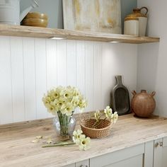 Choose our MDF tongue and groove wall panelling to create a refined classic look in a home. Barn Kitchen, Shaker Kitchen, Kitchen Units, Cosy Kitchen, Shaker Style Doors, Shaker Doors, Backsplash Panels, Kitchen Backsplash, Tongue And Groove Panelling