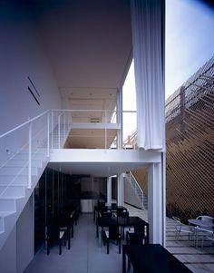 SBA_Glass Shutter House