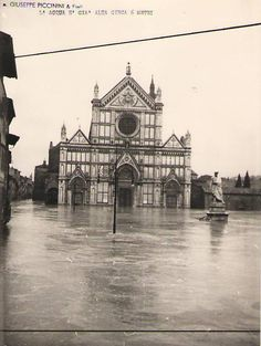 1966: 6m water in Piazza Santa Croce