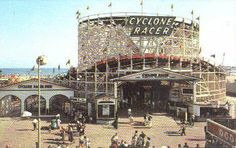 The Cyclone Racer at the Pike