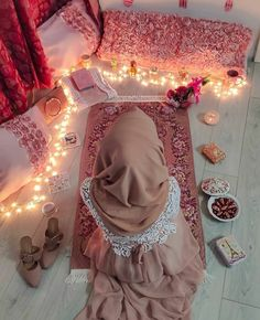 Ramadan is one of the most important Pillars of Islam and it teaches us paitance. As a muslim it is our religious obligation to fast in the month of Ramzan. Hijab Mode, Hijab Niqab, Muslim Hijab, Cute Muslim Couples, Muslim Girls, Hijabi Girl, Girl Hijab, Moda Hijab, Decoraciones Ramadan