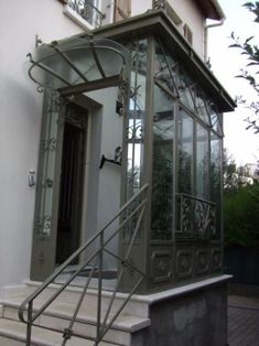 Design and creation of wrought iron old veranda LUCIEN LON Sas Entree, Glass Porch, Side Yard Landscaping, Porch Veranda, Enclosed Porches, Front Porch Design, Window Benches, Side Porch, House With Porch