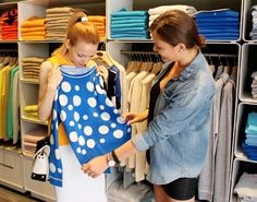 GlamRussia winner, Tatiana shows Russian fashion & lifestyle blogger, Juliet Polilova her chic find, a FTC Cashmere sweater