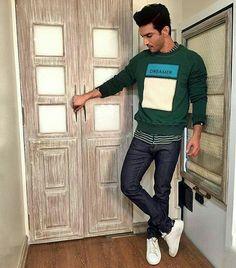 Bollywood Saree, Bollywood Actors, Bollywood Fashion, Half Girlfriend, Vijay Actor, Saif Ali Khan, Anamika Khanna, Ideas For Instagram Photos, Parineeti Chopra