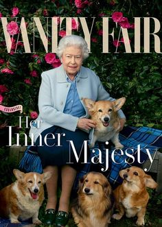 Queen Elizabeth Covers 'Vanity Fair' with Her Beloved Dogs!: Photo Queen Elizabeth II poses for the cover of Vanity Fair's latest issue, surrounded by her beloved Corgis and Dorgis! The royal was photographed by… Annie Leibovitz, Vanity Fair, Prinz Philip, Gato Animal, Reine Victoria, Queen 90th Birthday, Happy Birthday, Die Queen, Her Majesty The Queen