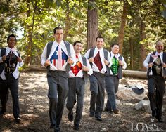 superheros!! How awesome is this?? So doing this at my wedding!:)