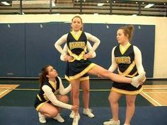 The DDSS cheerleaders show off some of the basic stunts you learn when you first start cheerleading. They tell you how/what to do, and we've even slowed down the stunts so you can get a good look! Enjoy