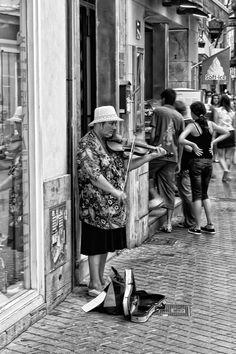 Street music  by Oleg Milyutin
