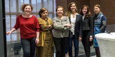 """İzmir'in yeni kültür-sanat merkezi Mahall Bomonti Sanat'ta, 8 Mart Dünya Kadınlar Günü'nde açılan """"Heykelin İzinde 8 Kadın"""" sergisi büyük ilgi görüyor. Lebriz Art Solutions organizasyonuyla bir araya gelen 8 sanatçı kadın İzmir'de gördükleri ilgiden çok memnun olduklarını vurguladı. Eserlerinin tarihi Bomonti Tesisleri arazisinde geliştirilen Mahall Bomonti İzmir projesi içindeki özel galeride sergilenmesinden son derece mutlu ..."""