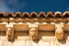 Canecillos En Ermita San Bartolomé. Río Lobos. Soria. España