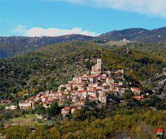 Eus | Les plus beaux villages de France  Notre coup de coeur des plus beaux villages de France. Situé à 15 km de Vernet-les-Bains, c'est tout simplement  un de ces lieux magiques inoubliables !