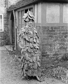 costume à froich froich (râteau/feuilles mortes)