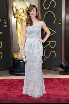 Jennifer Garner's glittering dress from Oscar de la Renta and jewelry by Forever mark costs a total of $5.02 million. Image: Oscar de la Renta Facebook