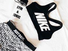 Tenue de sport Nike