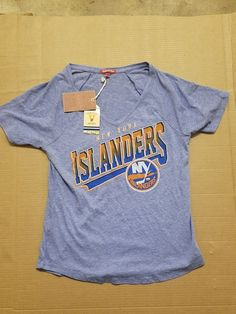 NHL NEW YORK ISLANDERS WOMENS T SHIRT VNECK SMALL RARE VINTAGE MITCHELL AND NESS please retweet