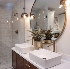 36 Top Tips of Modern Bathroom Design with Stylish Accessories - onlyhomely Chic Bathrooms, Modern Bathroom, Small Bathroom, Master Bathrooms, Bathroom Canvas, Spa Master Bathroom, Luxury Bathrooms, Minimalist Bathroom, Dream Bathrooms