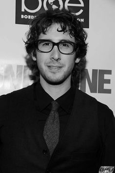 Josh Groban.     doin them glasses a favor