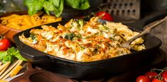 Macaroni With Bechamel - The Good Recipes Casserole Dishes, Casserole Recipes, Pasta Recipes, Chicken Recipes, Cooking Recipes, Cauliflower And Broccoli Cheese, Broccoli Pasta Bake, Cheese Pasta Bake, Macaroni And Cheese