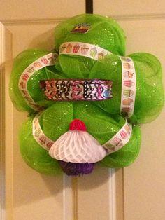 Cupcake theme wreath for classroom