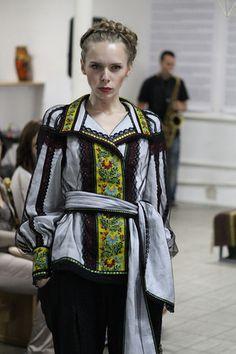 Роксолана Богуцька пропонує приталені вишиванки (фото)