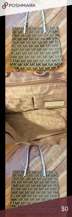 Michael kors Signature Tote Michael kors signature Tote!👜👜Preloved! EUC! Michael Kors Bags Totes