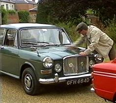 """Vanden Plas Princess 1100 in """"Chris Barrie's Motoring Wheel Nuts"""" Classic Cars British, Ford Classic Cars, Vintage Cars, Antique Cars, Honda Legend, Princess Pictures, Lincoln Continental, Cars And Motorcycles, Dream Cars"""