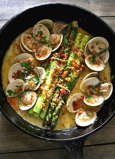 Asparagus with Clams and Crumbs