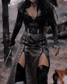 Fantasy Costumes, Cosplay Costumes, Moda Medieval, Fantasy Gowns, Fantasy Outfits, Fantasy Clothes, Cool Outfits, Fashion Outfits, Character Outfits