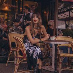 mornings in Paris in the @cleobella bellany dress ☕️